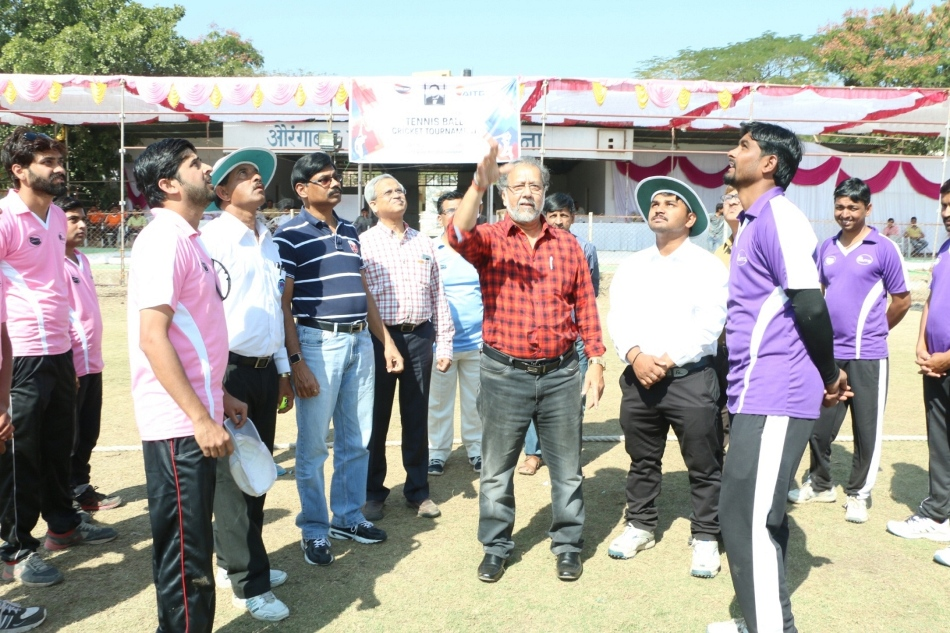 Toss of Final Match - By Chief Guest Mr. Raju Bhalekar